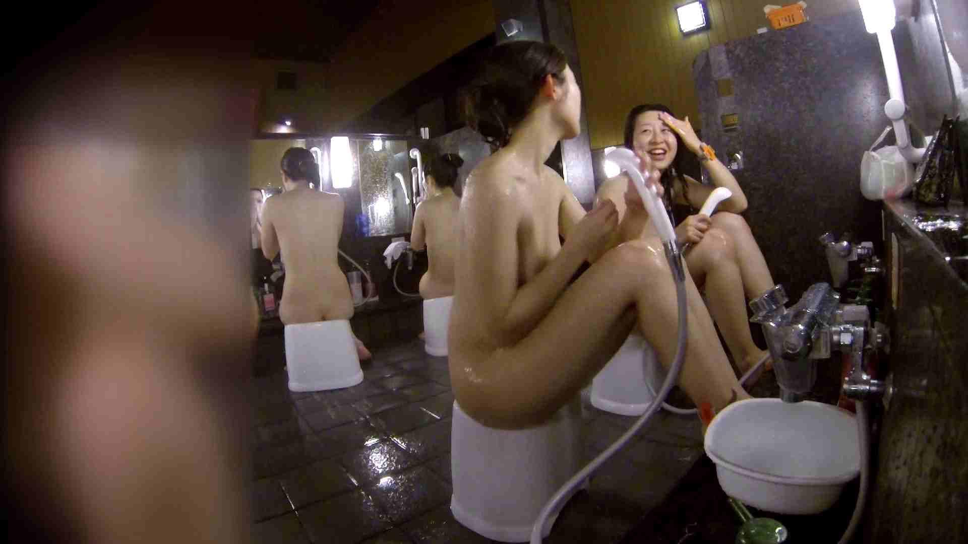 ハメ撮り|洗い場!地味目の女の子2人組。ずっと話しながら洗ってます。|怪盗ジョーカー