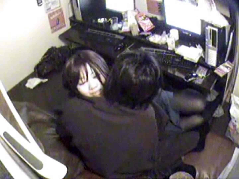 インターネットカフェの中で起こっている出来事 vol.003 カップル盗撮  81画像 3