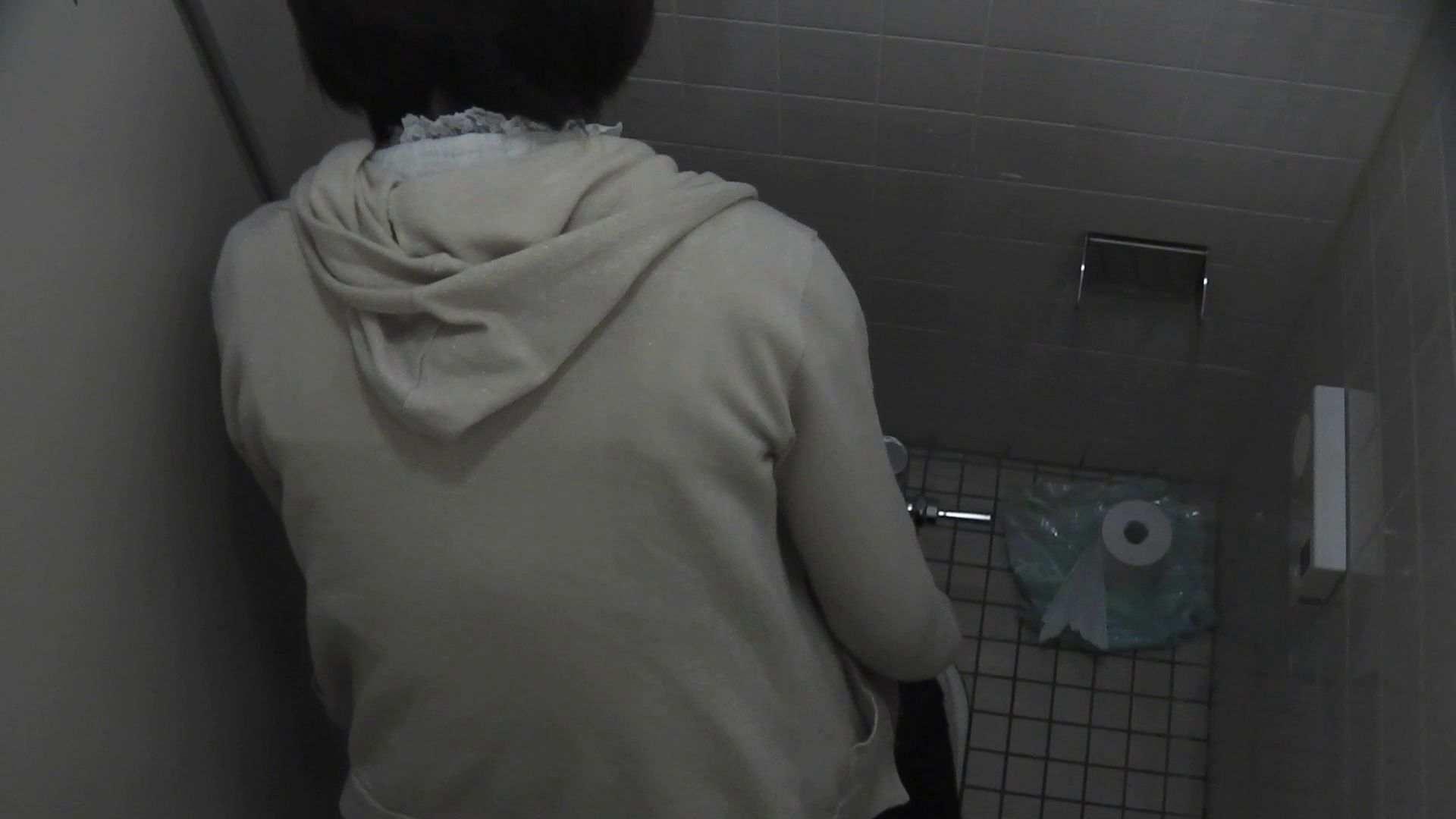 vol.10 命がけ潜伏洗面所! バックからヒクヒク。 潜入 盗み撮り動画 96画像 55