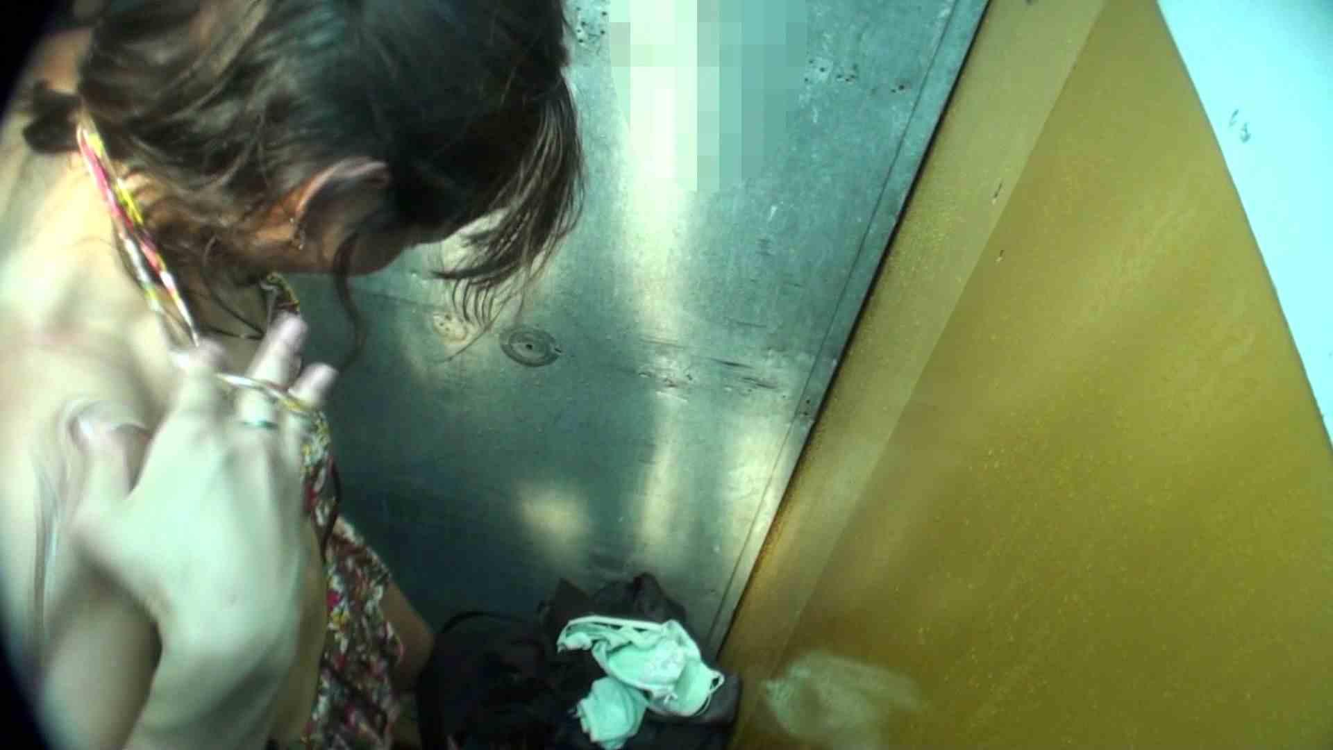 シャワールームは超!!危険な香りVol.16 意外に乳首は年増のそれ 脱衣所の着替え えろ無修正画像 105画像 38