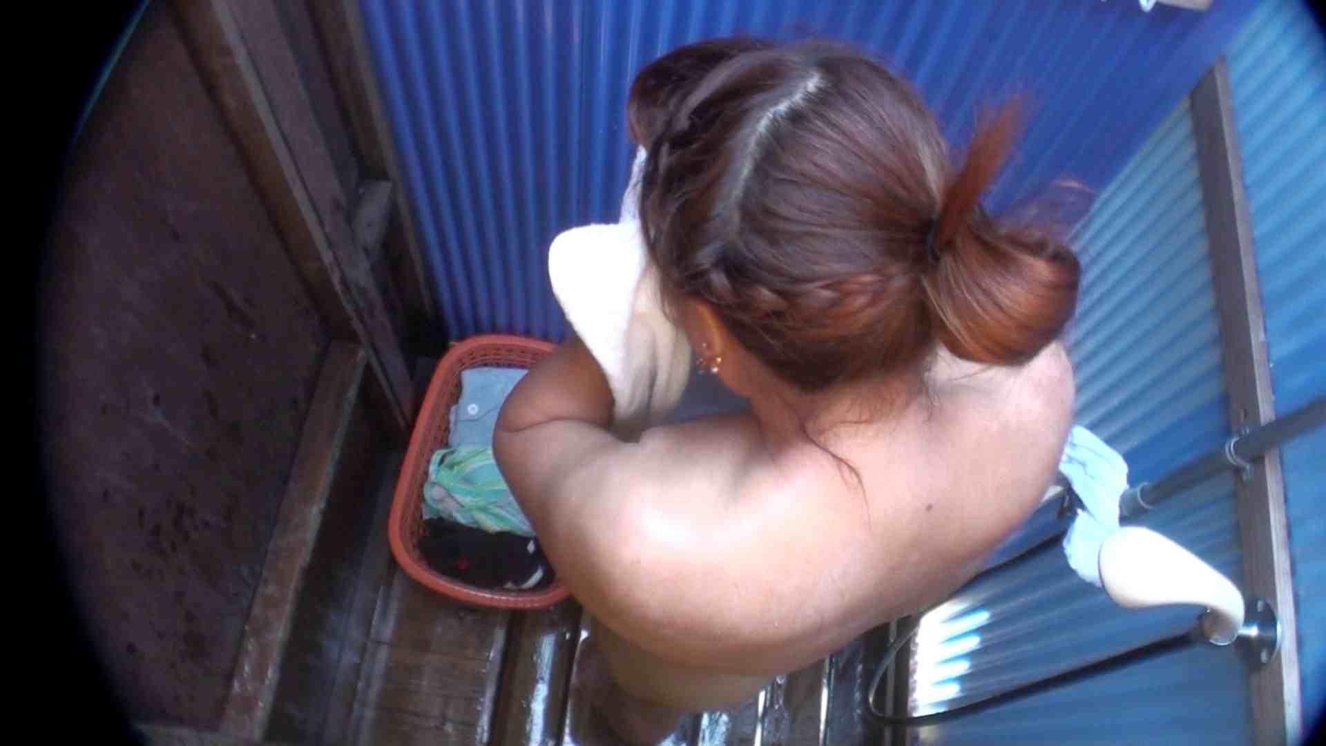 シャワールームは超!!危険な香りVol.18 幼児体型なムッチリギャル エロティックなOL | 脱衣所の着替え  92画像 21