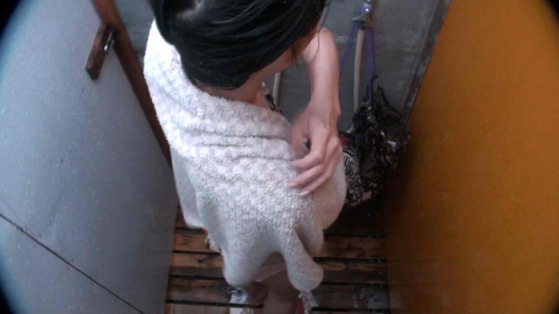 シャワールームは超!!危険な香りVol.21 オメメぱっちり貧乳ギャル鼻くそほじっても可愛いです 脱衣所の着替え   高画質モード  57画像 41