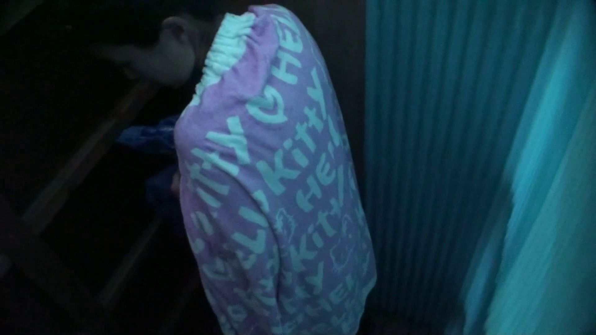 シャワールームは超!!危険な香りVol.26 大学生風美形ギャル 暗さが残念! 脱衣所の着替え 女性器鑑賞 95画像 3
