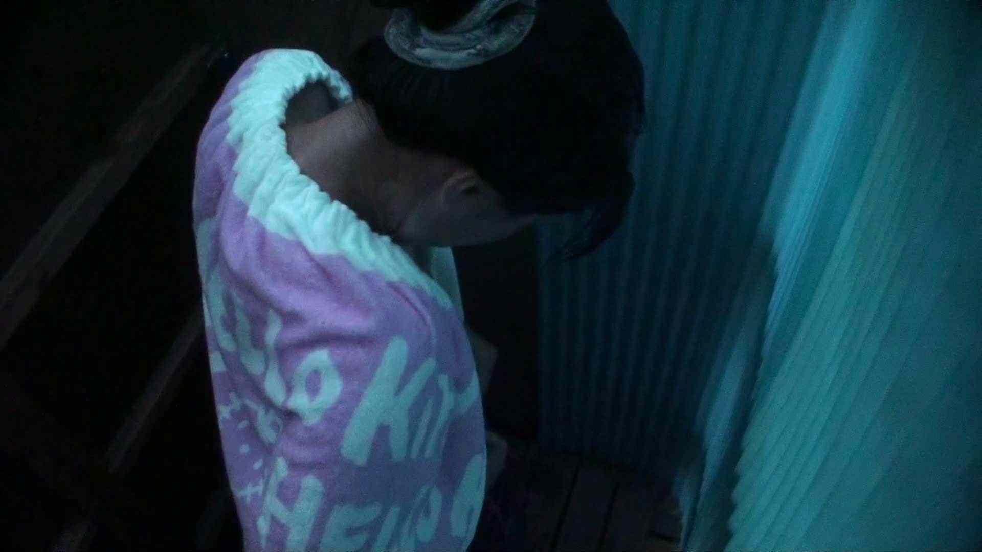 シャワールームは超!!危険な香りVol.26 大学生風美形ギャル 暗さが残念! 脱衣所の着替え 女性器鑑賞 95画像 39