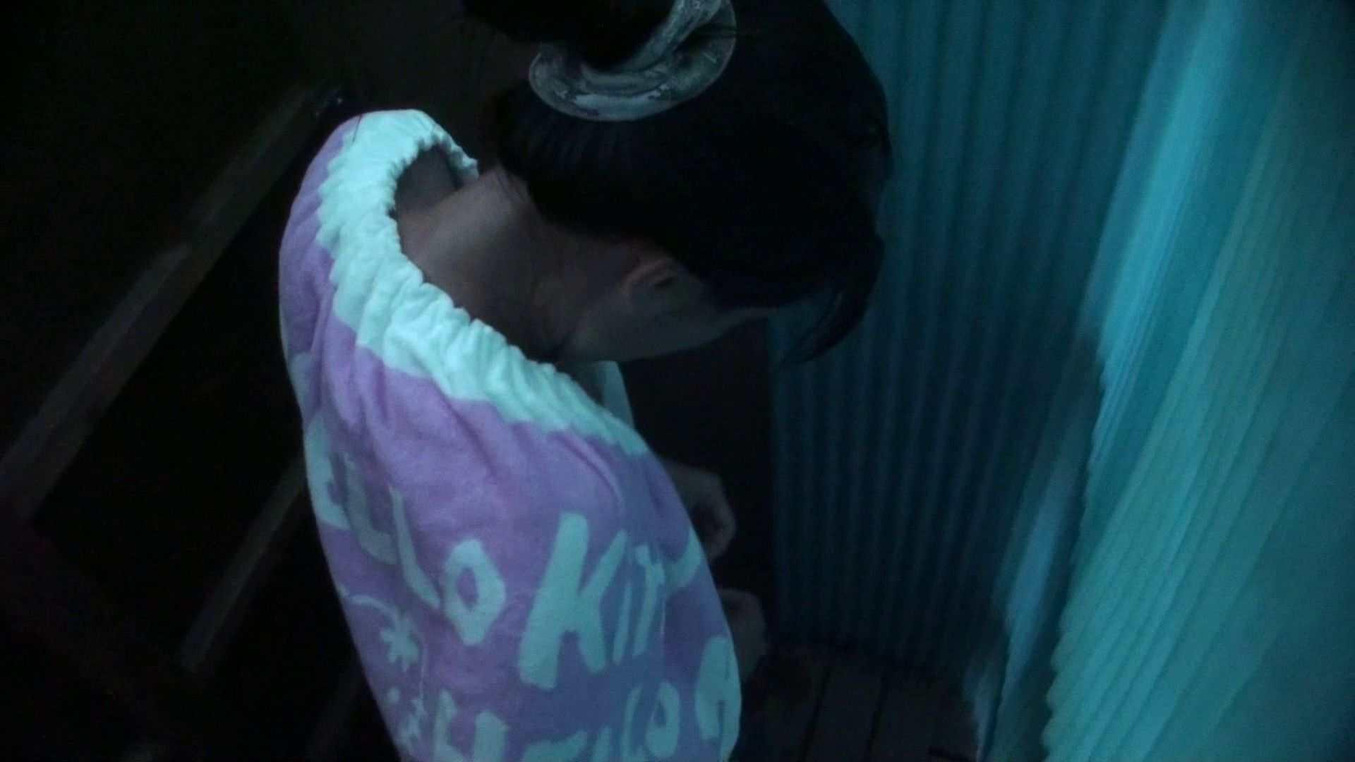 シャワールームは超!!危険な香りVol.26 大学生風美形ギャル 暗さが残念! 脱衣所の着替え 女性器鑑賞 95画像 43