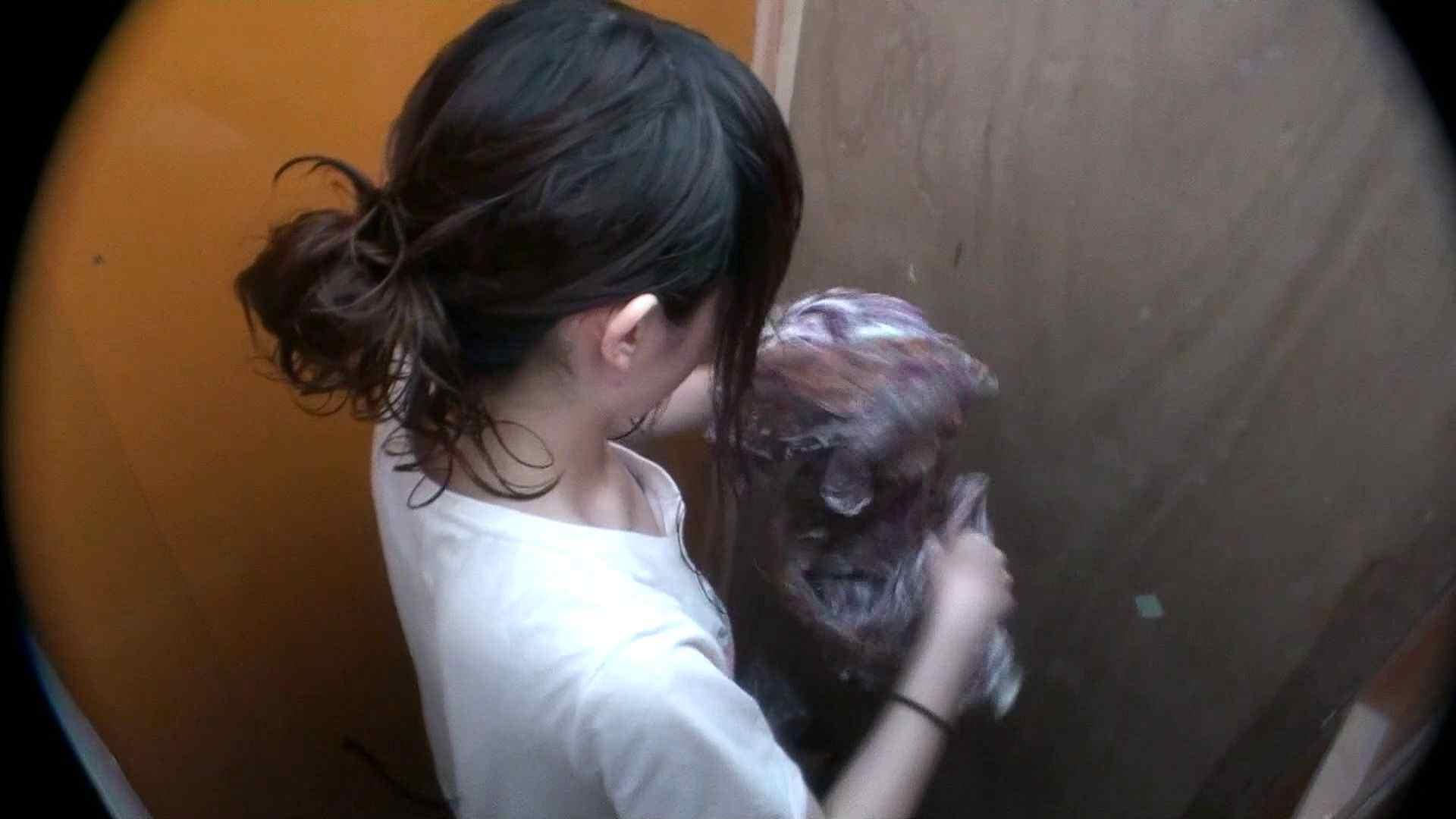 シャワールームは超!!危険な香りVol.29 こっちを向いて欲しい貧乳姉さん 脱衣所の着替え   貧乳編  85画像 85