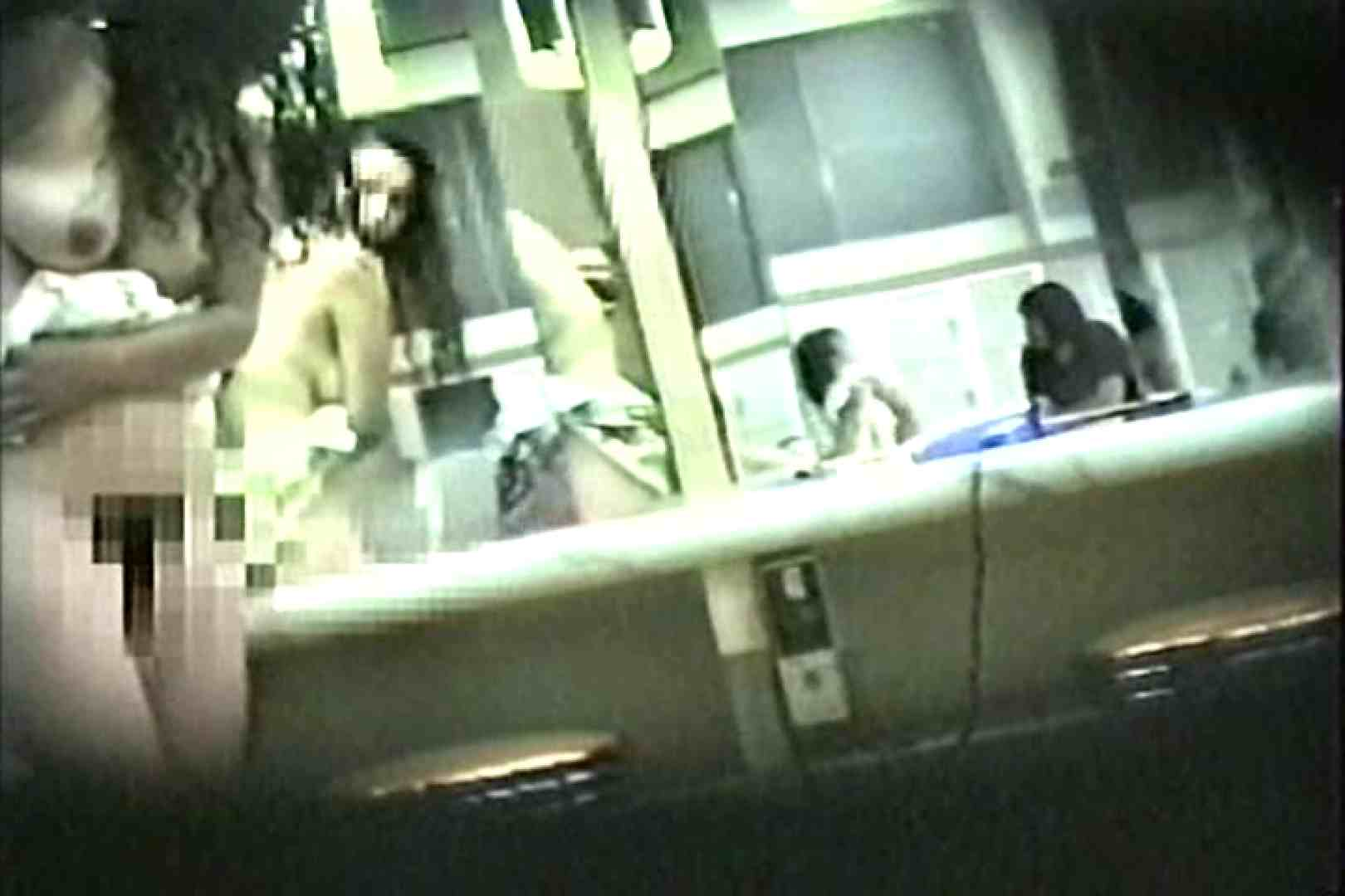 女性だからここまで撮れた 脱衣所盗撮 TK-96 脱衣所の着替え エロ画像 57画像 29