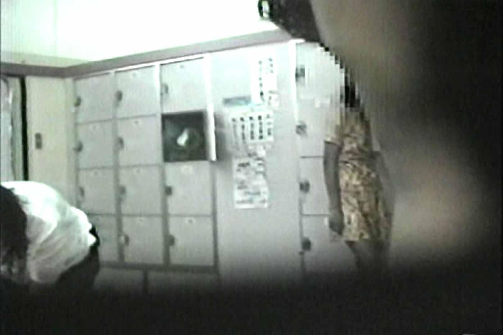 女性だからここまで撮れた 脱衣所盗撮 TK-96 脱衣所の着替え エロ画像 57画像 49