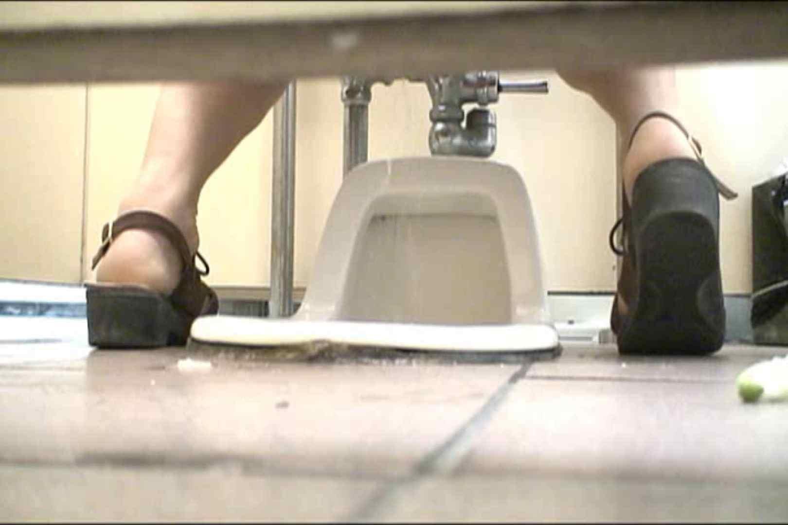 マンコ丸見え女子洗面所Vol.18 洗面所はめどり のぞき動画キャプチャ 84画像 72