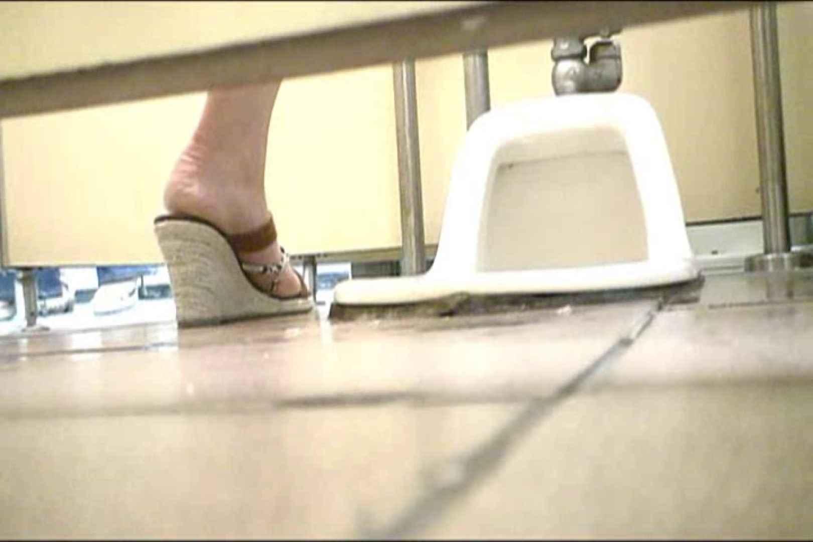 マンコ丸見え女子洗面所Vol.18 洗面所はめどり のぞき動画キャプチャ 84画像 82