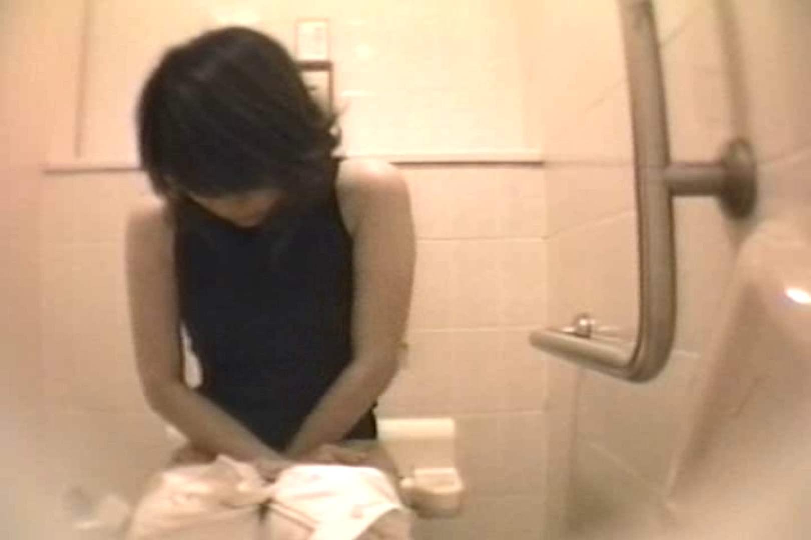 個室狂いのマニア映像Vol.4 洗面所はめどり   和式  61画像 7