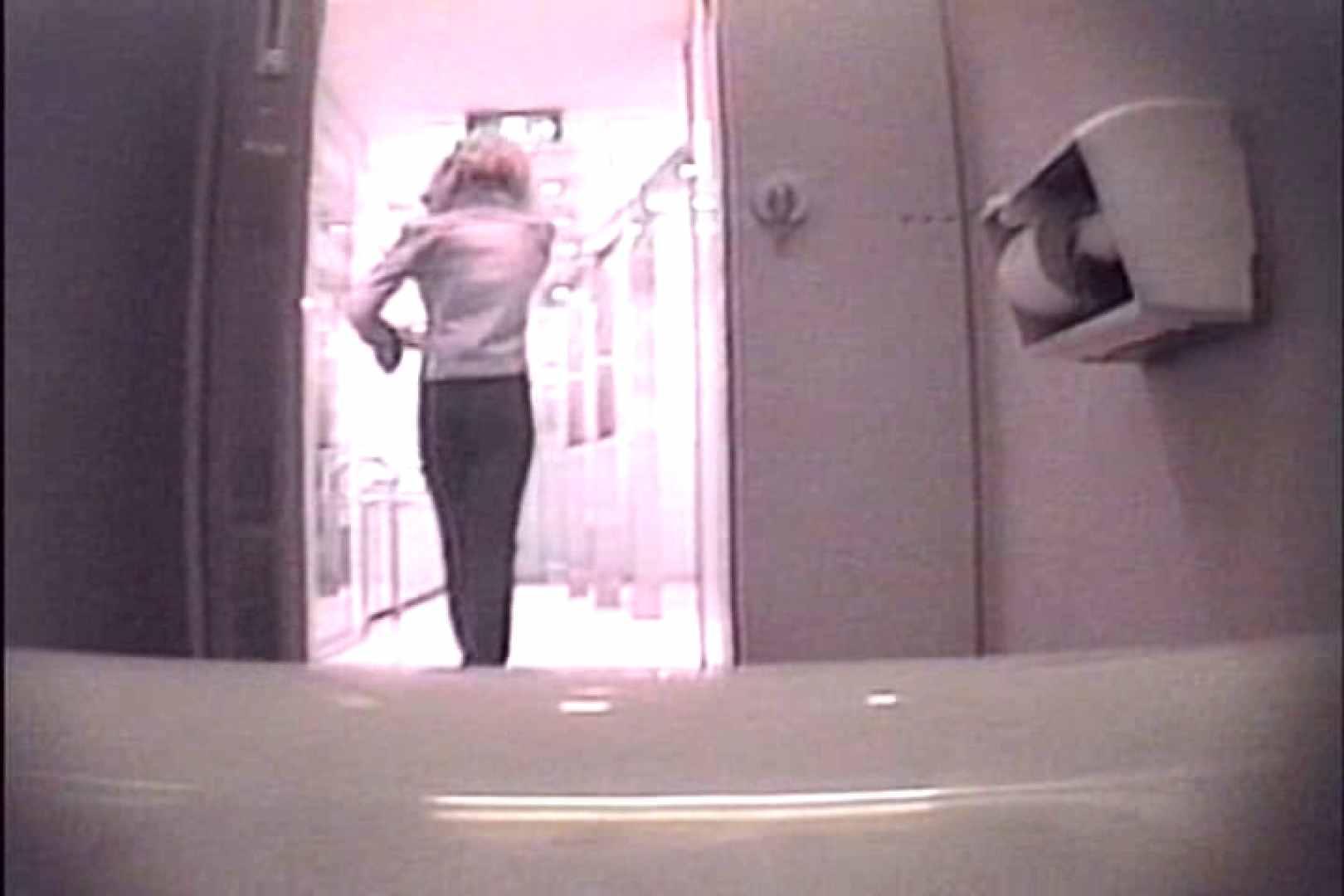 個室狂いのマニア映像Vol.4 洗面所はめどり   和式  61画像 31