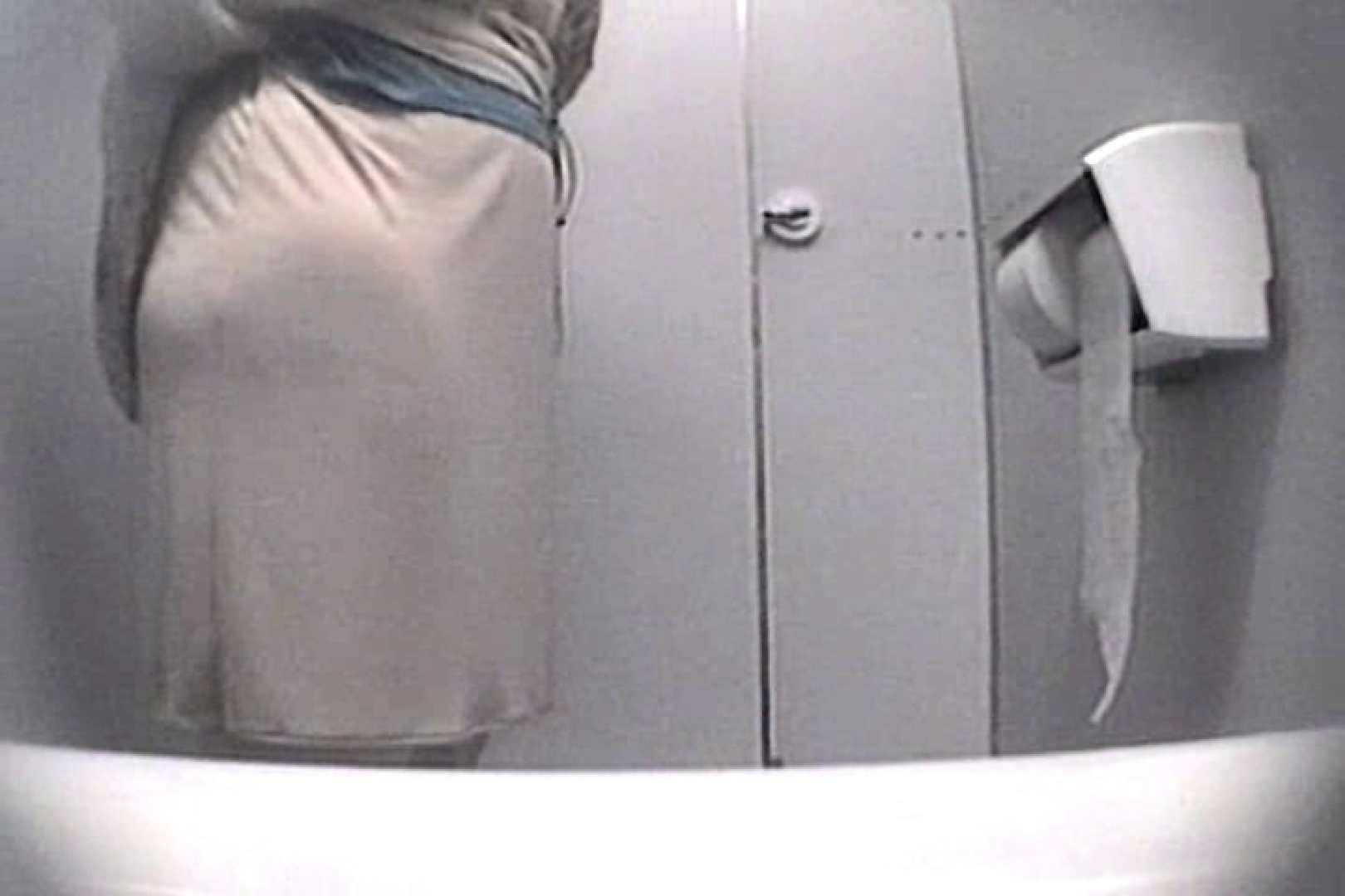 個室狂いのマニア映像Vol.4 洗面所はめどり   和式  61画像 49