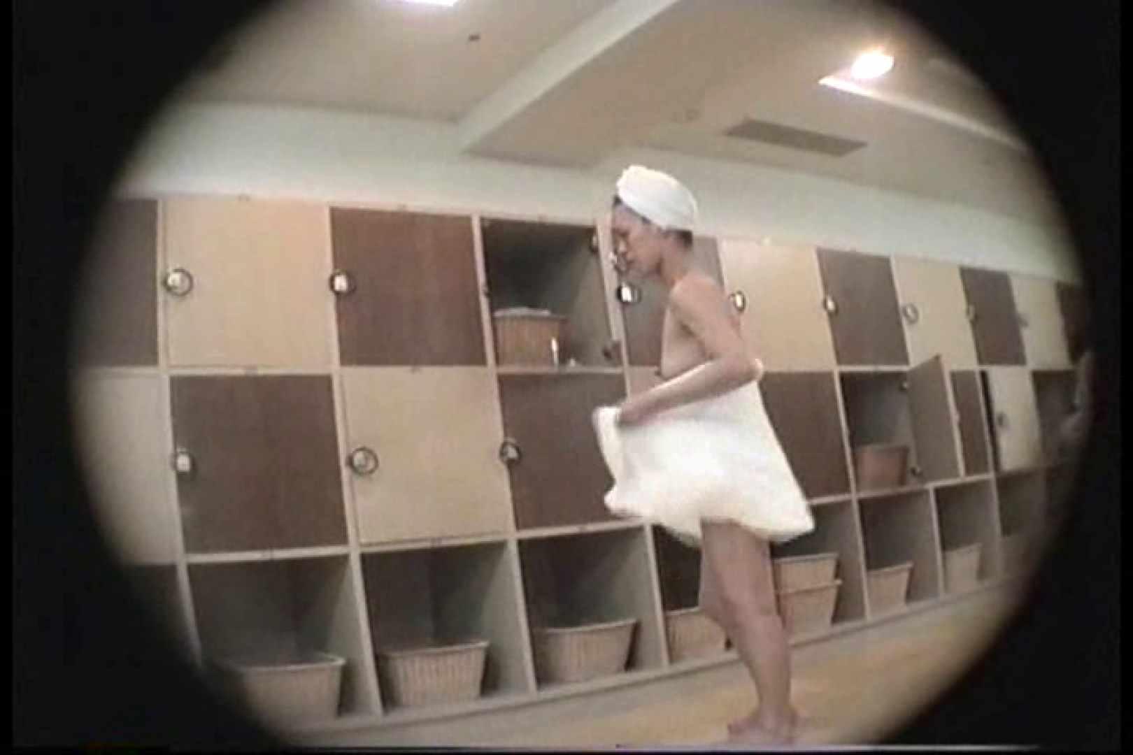 新女風呂49 脱衣所の着替え   女風呂の実態  103画像 19