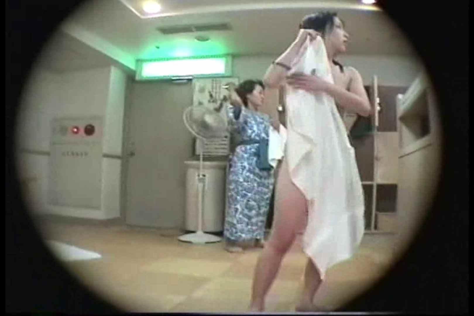 新女風呂49 脱衣所の着替え   女風呂の実態  103画像 25