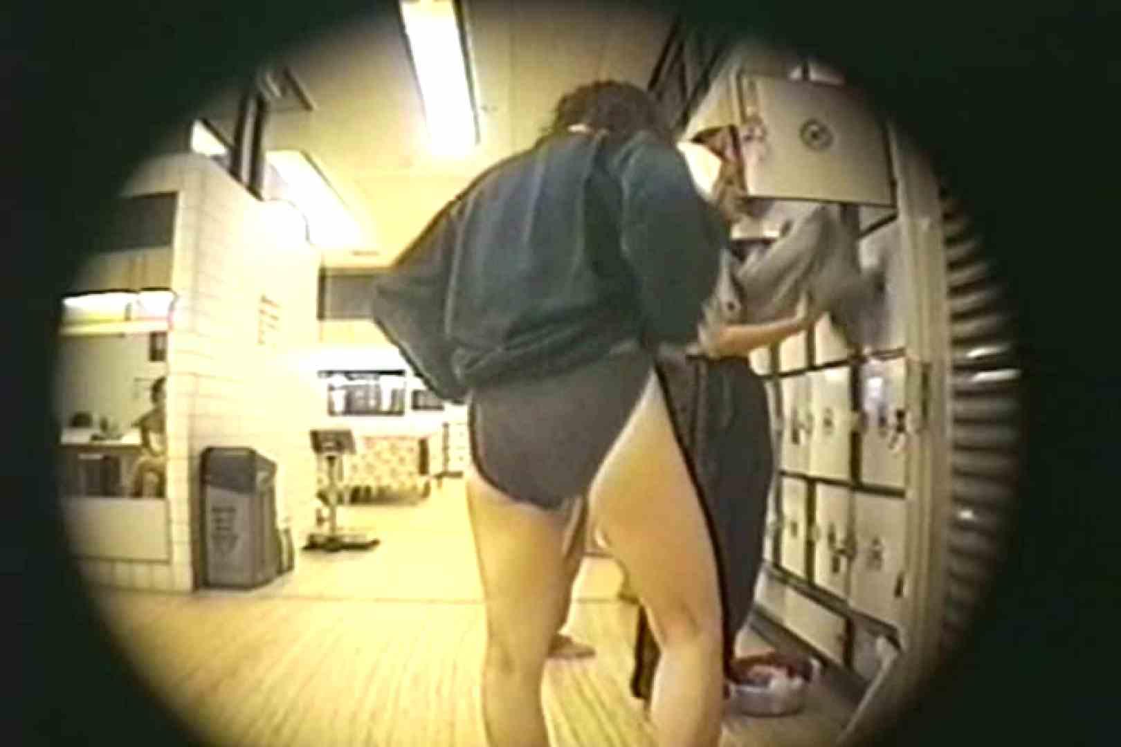 新女風呂35 脱衣所の着替え  81画像 12