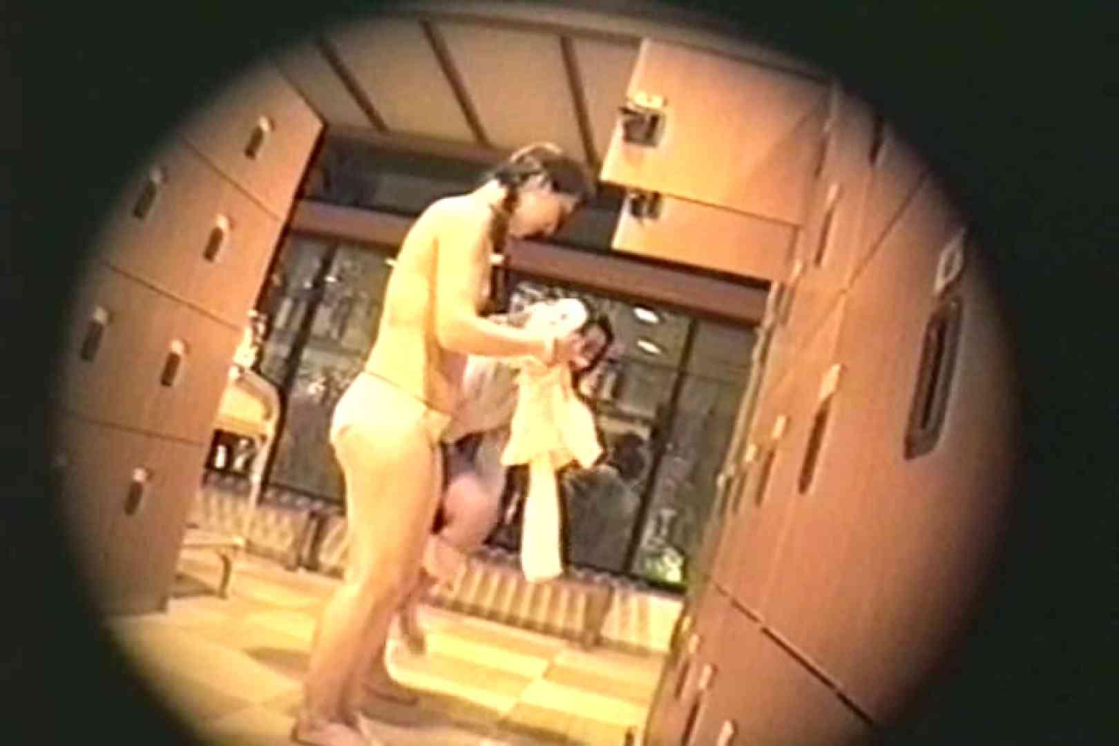 新女風呂35 脱衣所の着替え | 女風呂の実態  81画像 19