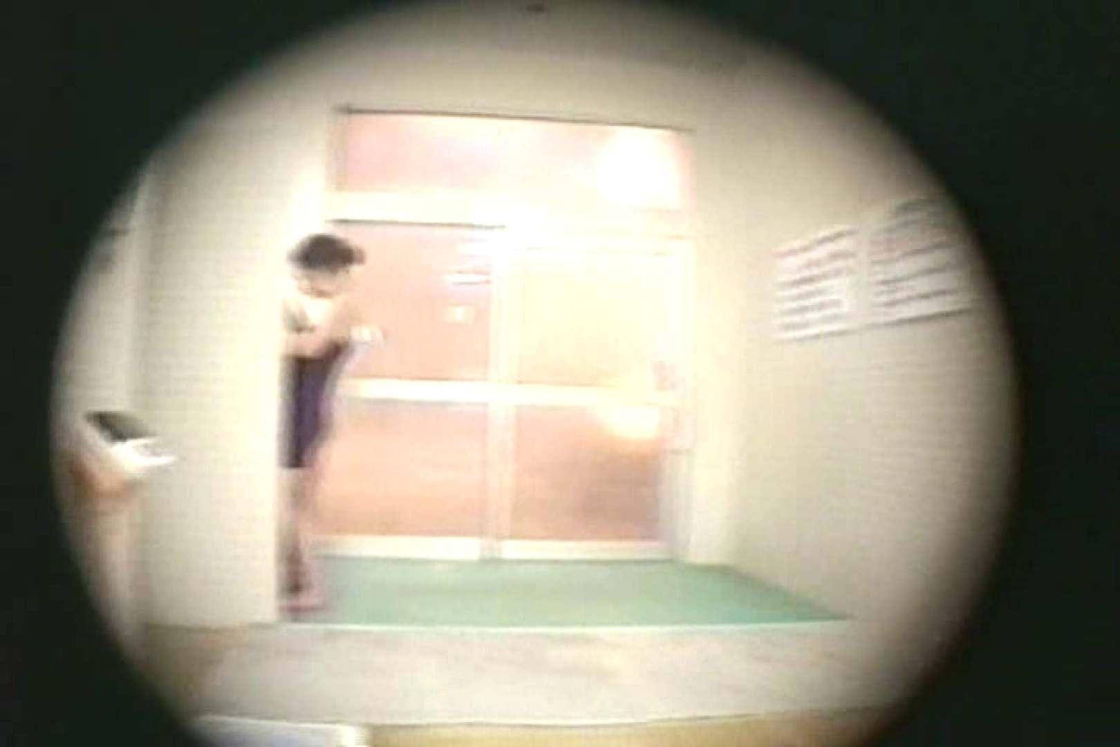 新女風呂35 脱衣所の着替え  81画像 42