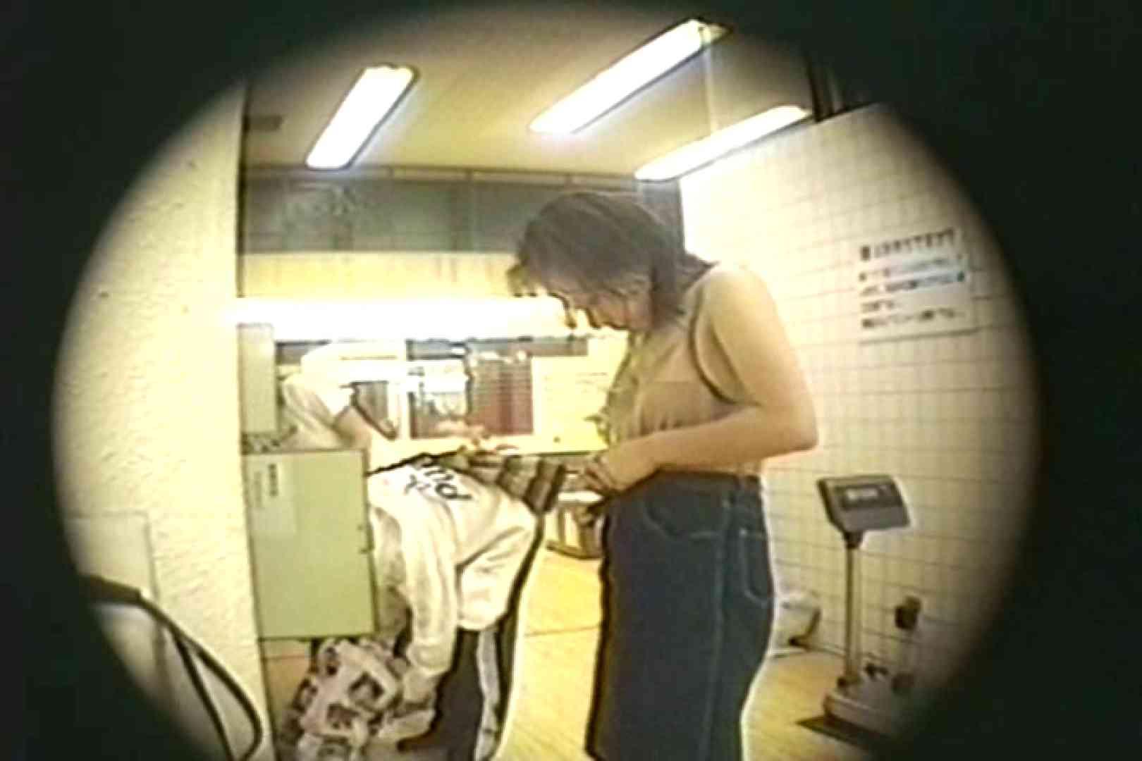 新女風呂35 脱衣所の着替え  81画像 66