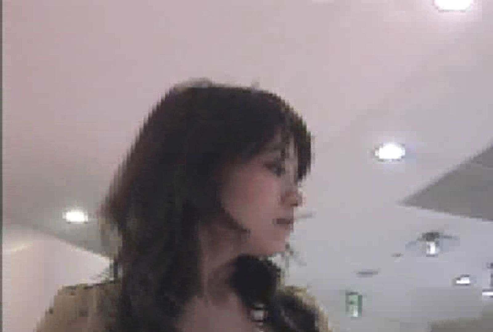 ショップ店員のパンチラアクシデント Vol.26 エロティックなOL 女性器鑑賞 99画像 38