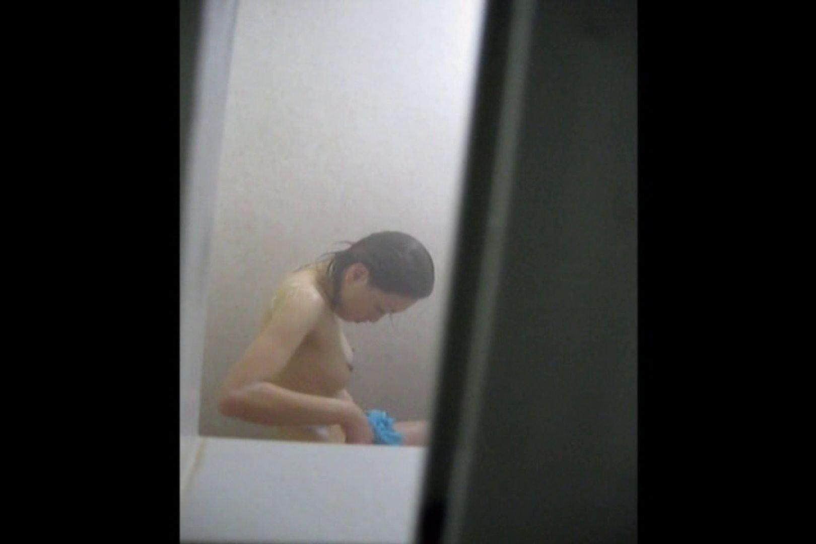投稿者ハイロスさんのドキドキ覗き主観!VOL.01(一般女性5名 民家浴場編) エロティックなOL   覗き  66画像 21