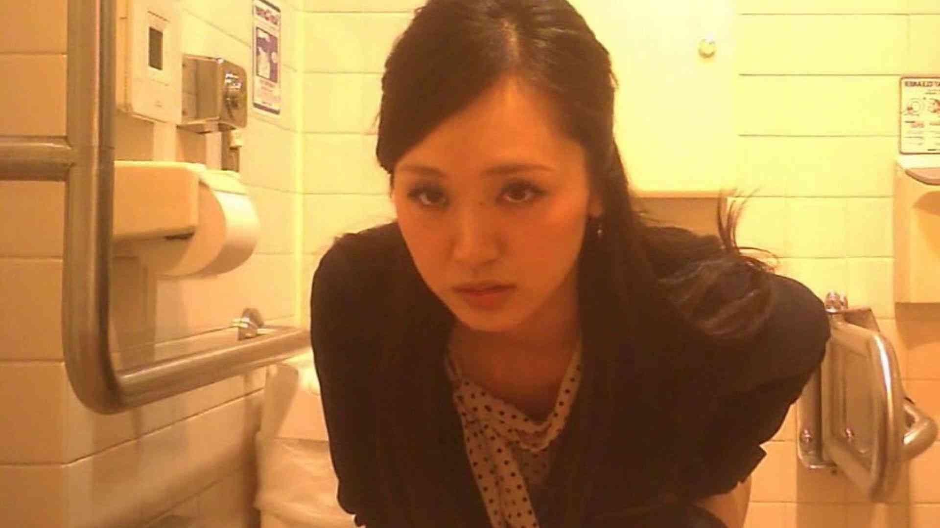 お姉さんの恥便所盗撮! Vol.27 洗面所はめどり オマンコ無修正動画無料 69画像 9